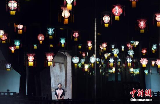 资料图:花灯展览。<a target='_blank' href='http://www.chinanews.com/'>中新社</a>记者 侯宇 摄