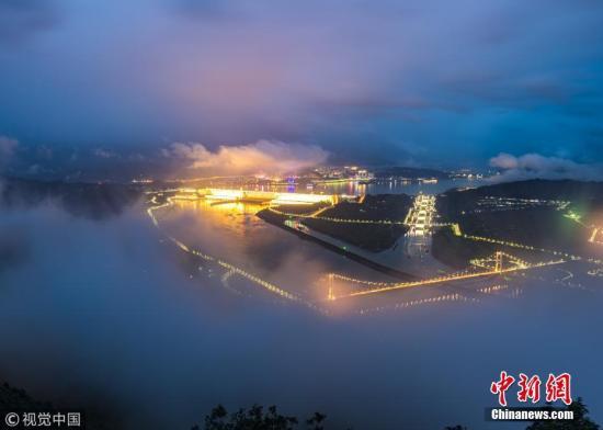 资料图:雨后长江三峡云雾缭绕。林森 摄 图片来源:视觉中国