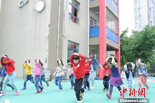 北京中小学幼儿园禁制售生冷食物 保障师生用餐安全