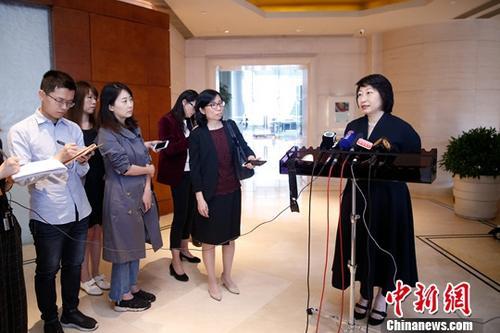 资料图:香港特别行政区政府律政司司长郑若骅。/p中新社记者 韩海丹 摄