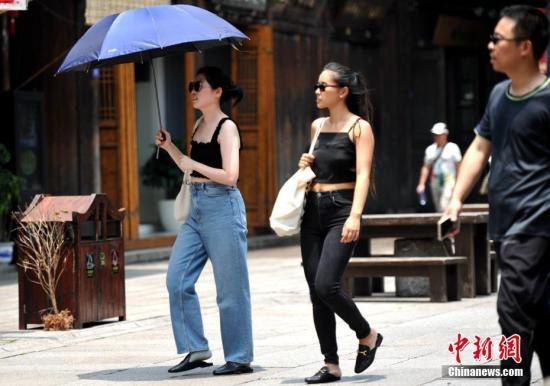 黄淮江淮将有较强雷雨 江南华南部分地区有高温天气