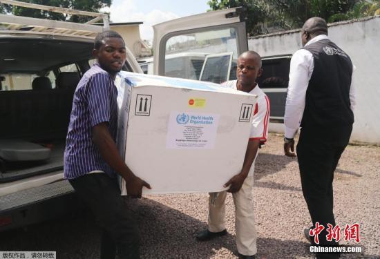 资料图:新型埃博拉疫苗运抵刚果(金)。