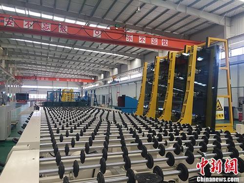 资料图:安徽一公司的生产车间。 <a target='_blank' href='http://www-chinanews-com.njsfdp.com/'>中新社</a>记者 吴兰 摄