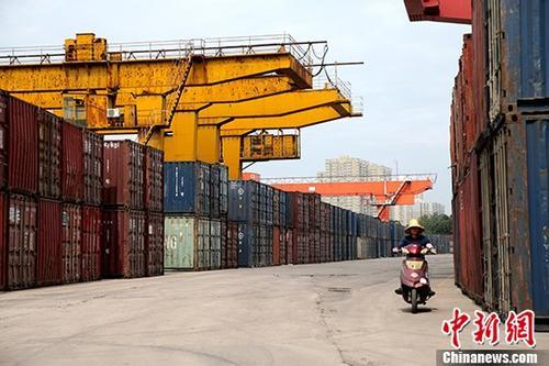 2018年中国铁路完成货物发送量逾40亿吨 同比增长9.1%