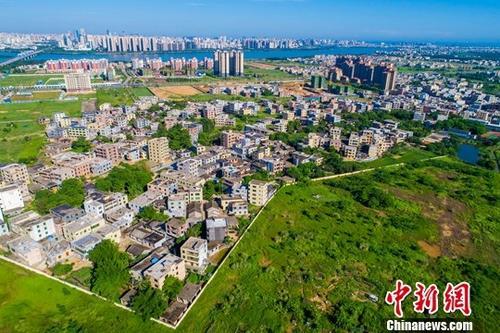 中国将尽快提出自贸港政策制度体系 加快教育、医疗等领域开放