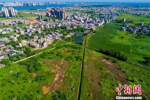 资料图:航拍海口江东片区。中新社记者 骆云飞 摄