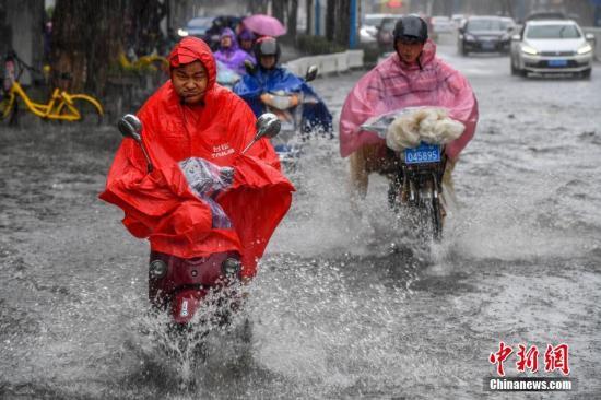 江淮黄淮等地有较强降雨 华北江南等地持续性高温