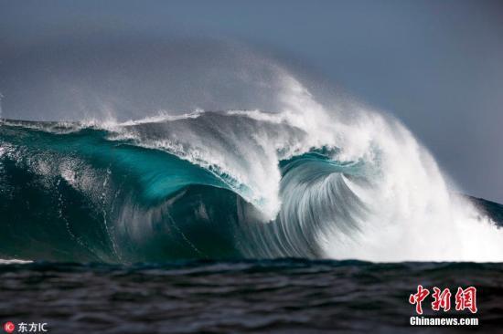 资料图:波涛汹涌的大海。图片来源:东方IC 版权作品 请勿转载