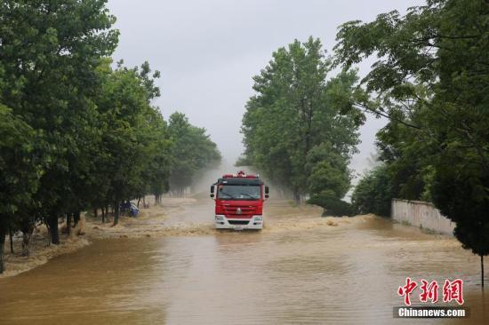 资料图:江西暴雨。 文/图 刘占昆 邓和平