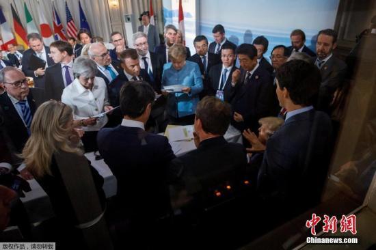 多国领导人在G7峰会讨论现场。