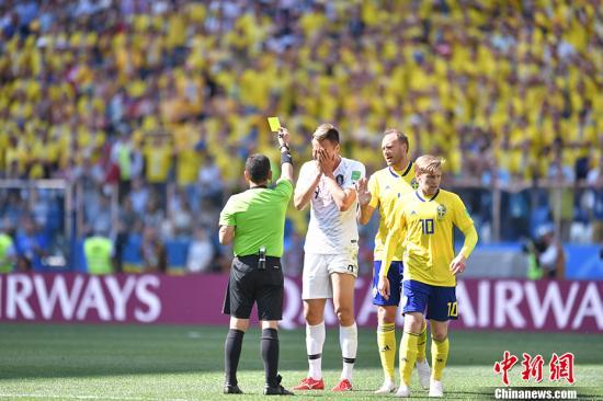 """视频回放技术破坏世界杯比赛""""整体性""""?"""