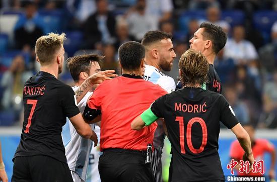 """克罗地亚连入3球""""猎鹰"""" 阿根廷遭逢世界杯上又一惨败"""