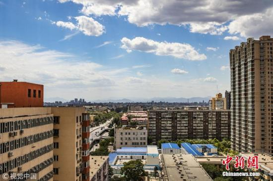 材料图:北京蓝天白云。许建萍 摄 图片来历:视觉我国