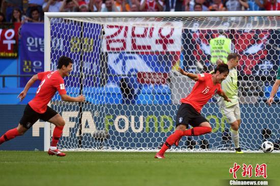 韩国队打入进球。 中新社记者 田博川 摄