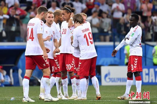 丹麦队遭到淘汰。 中新社记者 毛建军 摄