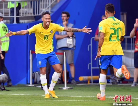 巴西队能走多远?图为内马尔庆祝第二粒进球。 中新社记者 毛建军 摄