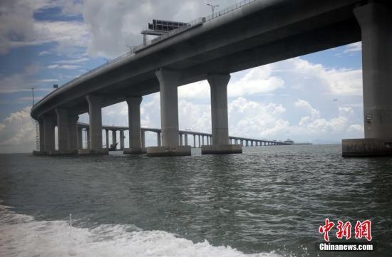 资料图片:港珠澳大桥连接香港大屿山、澳门半岛和广东省珠海市。