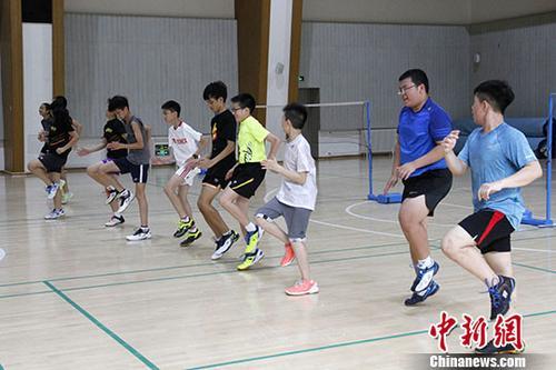 资料图:香港培侨书院学生在北京参加体育专项交流活动。<a target='_blank' href='http://www.chinanews.com/'>中新社</a>发 冯靖蓉 摄