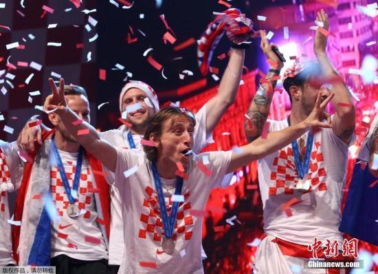 情动欧洲杯:那些告别的人,请你慢些转身
