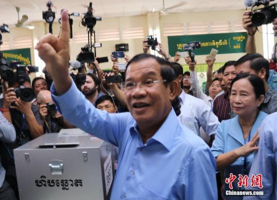 资料图片:柬埔寨首相洪森。