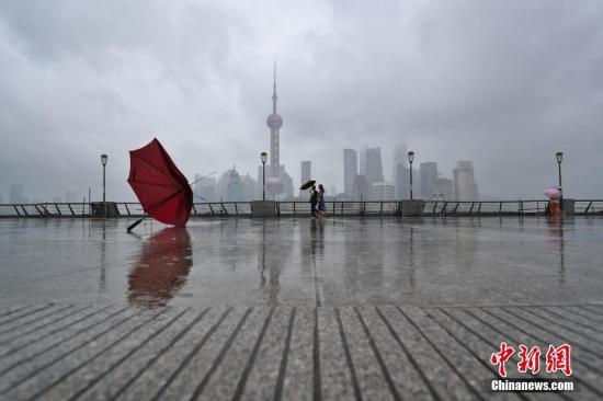 """上海发布防台通知:受""""摩羯""""影响 或现风暴潮三碰头局面"""