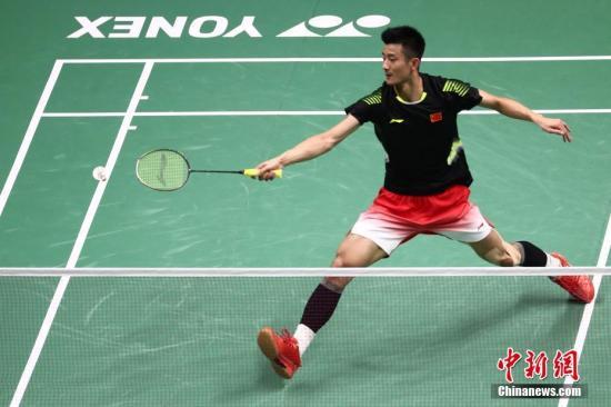 8月3日,2018年羽毛球世錦賽在南京繼續進行,男單賽會8號種子、中國隊的諶龍以2-0擊敗賽會頭號種子、丹麥的安賽龍,成功晉級。中新社記者 泱波 攝