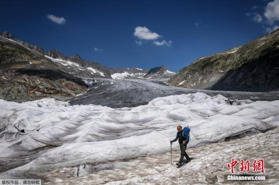 资料图:瑞士冰川。
