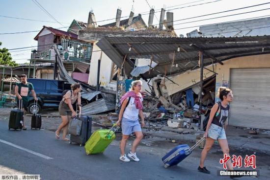 印尼强震引游客恐慌 当局疏散吉利群岛1200名游客(原创)