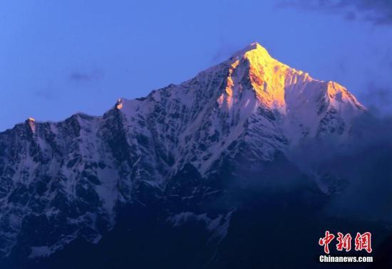 研究者称21世纪初喜马拉雅冰川融