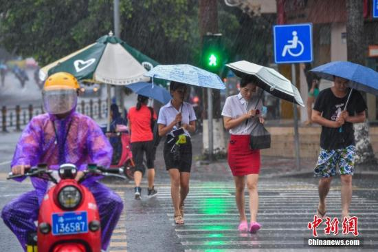 台湾海峡热带低压登陆福建莆田沿海