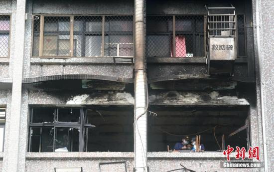 8月13日,台湾新北市新庄区台北医院7楼病房火灾现场。 <a target='_blank' href='http://www-chinanews-com.cntlp.com/'>中新社</a>记者 张宇 摄