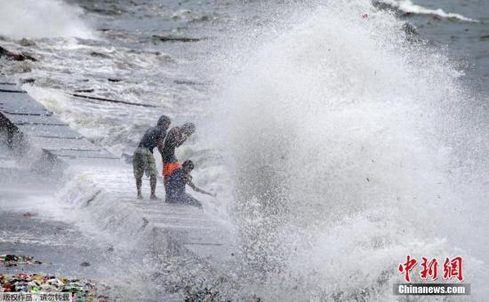 菲律宾正值台风季节 中领馆吁中国游客避