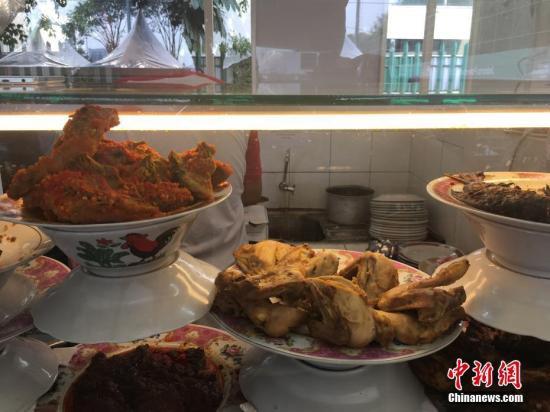 各类肉食。 <a target='_blank' href='http://www.chinanews.com/'>中新社</a>记者 卢岩 摄
