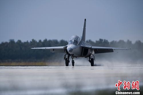 资料图:机场(图文无关) <a target='_blank' href='http://www-chinanews-com.photohut.net/'>中新社</a>发 刘赣清 摄