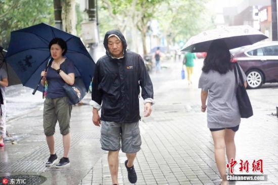 """台风""""温比亚""""登陆上海带来大风大雨。 图片来源:东方ic 版权作品 请勿转载"""