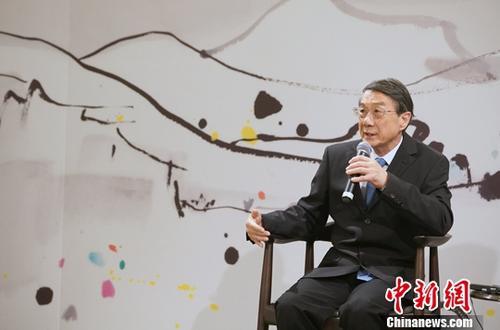 吴冠中长子吴可雨出席捐赠仪式时表示,这既是一次艺术品的捐赠,更是一种托付。<a target='_blank' href='http://www.chinanews.com/'>中新社</a>记者 张炜 摄