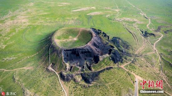资料图:内蒙乌兰哈达火山地质公园。 图片来源:东方IC 版权作品 请勿转载