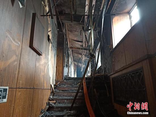 哈尔滨酒店火灾疑云:消防检查不合格为何仍能开业?