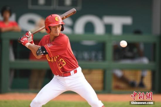 中国棒球联赛曾经三度休止。(图为中国棒球队在雅添达亚运会比赛中。中新社记者 杨华峰 摄)