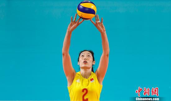 资料图:中国女排主力朱婷在赛场上专注的神情。<a target='_blank' href='http://www.iamlei.com/'>中新社</a>记者 杜洋 摄