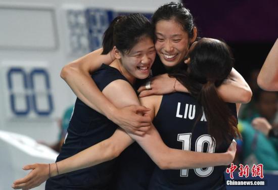 资料图:朱婷和李盈莹可能是东京赛场中国女排头两号攻击点。中新社记者 李霈韵 摄