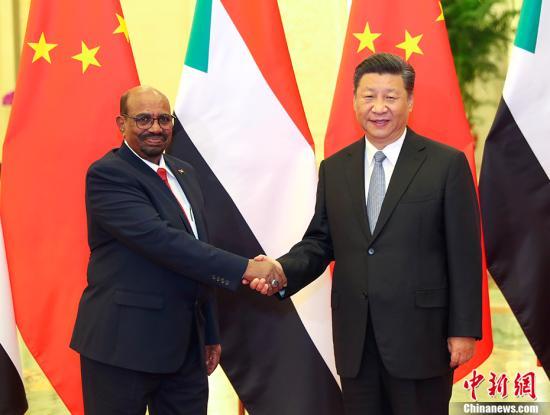 9月2日,中国国家主席习近平在北京人民大会堂会见苏丹总统巴希尔。 <a target='_blank' href='http://www.chinanews.com/'>中新社</a>记者 刘震 摄