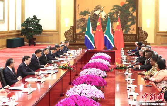 9月2日,中国国家主席习近平在北京人民大会堂同南非总统拉马福萨举行会谈。 <a target='_blank' href='http://www.chinanews.com/'>中新社</a>记者 盛佳鹏 摄