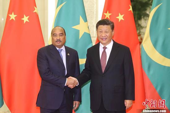 9月2日,中国国家主席习近平在北京人民大会堂会见毛里塔尼亚总统阿齐兹。 <a target='_blank' href='http://www.chinanews.com/'>中新社</a>记者 盛佳鹏 摄