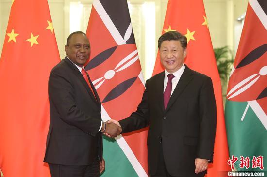 9月4日,中国国家主席习近平在北京人民大会堂会见肯尼亚总统肯雅塔。 <a target='_blank' href='http://www.chinanews.com/'>中新社</a>记者 盛佳鹏 摄