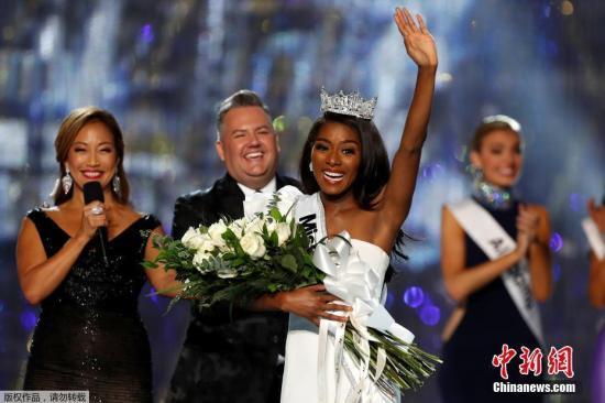美利坚小姐(Miss America)是一个在美国举办的选美活动,自1921年起在大西洋城举行,参选佳丽每年由美国各州选出。