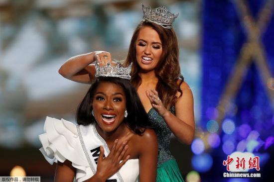 """当地时间2018年9月9日,Nia Imani Franklin在""""美利坚小姐""""(Miss America)比赛中摘得桂冠。"""