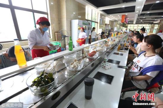 多部门:对供餐人数多的学校食堂等开展隐患排查