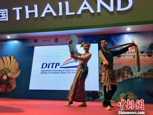 资料图:东博会上泰国表演者带来精彩的歌舞表演。 陈秋霞 摄