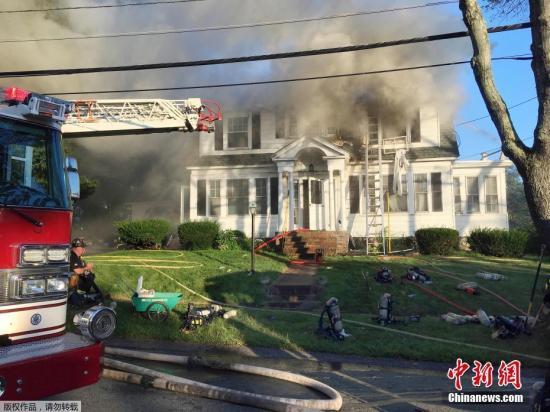 """当地时间9月13日晚,美国马萨诸塞州波士顿附近的几个社区发生了""""疑似天然气管道泄漏""""事件。据外媒报道称,当地数十处出现了起火和爆炸的情况。"""